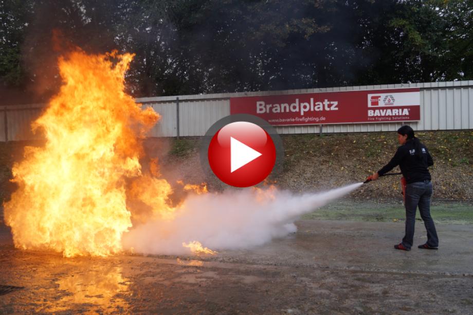 Bavaria, Brandschutz, Brandschutzübung, Feuerlöscher, Feuer löschen, Video